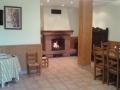 El txoko, salón con fuego bajo en la planta baja