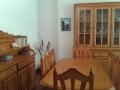 El salón en la primera planta, la mesa
